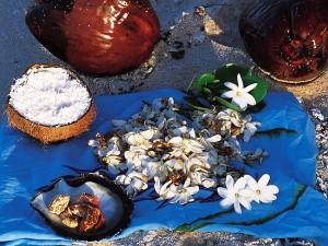 Monoï making © Tahiti Tourisme - E.Pasquier