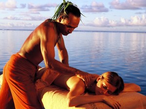 Taurumi massage in a peaceful setting