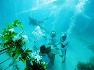 Bora Bora Underwater Wedding © G.LeBacon